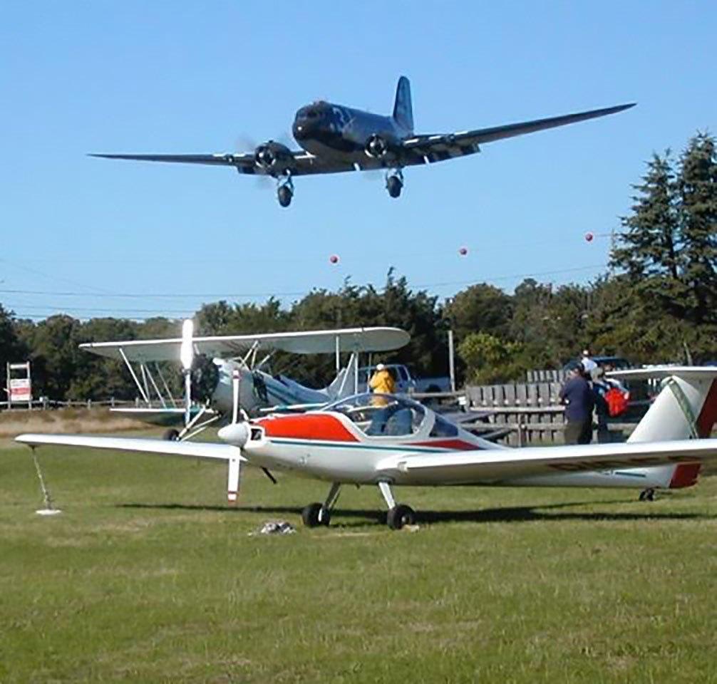 planes-at-katama